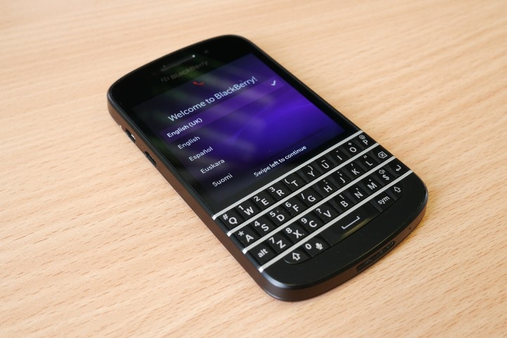 Blackberry_Q10_handset