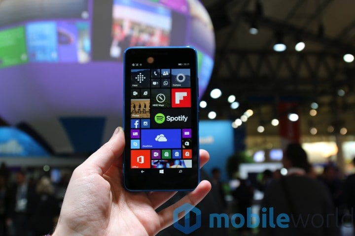 Microsoft Lumia 640 hands-on - 11