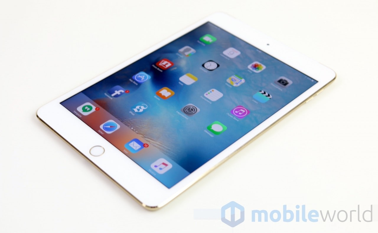 Apple iPad Mini 4 - 7