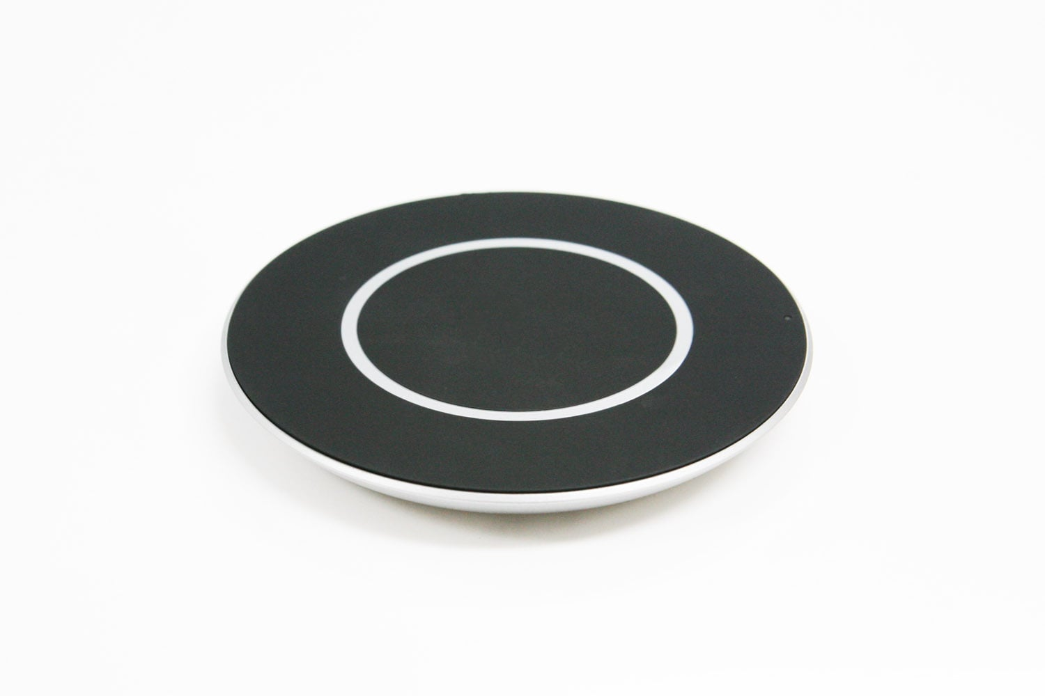 LGs-Quick-Wireless-Charging-Pad (1)